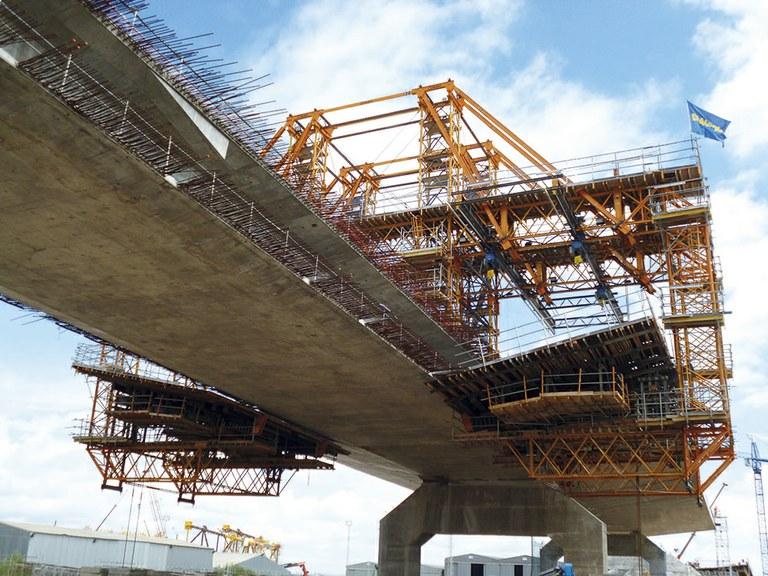 A ponte sobre la Bahía de Cádiz
