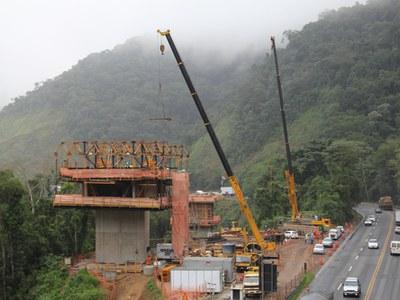 ULMA Construction oferece inovação tecnológica na duplicação da Serra do Cafezal